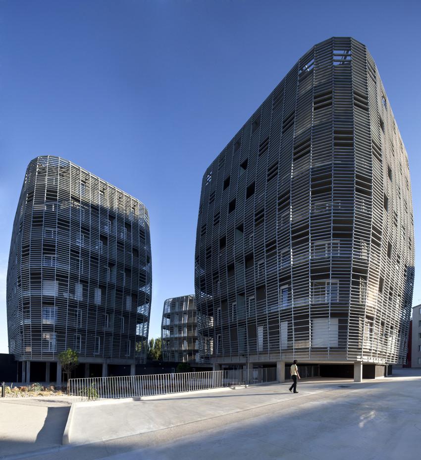 71 council and private flats in Sète / CFA, © Cécile Septet