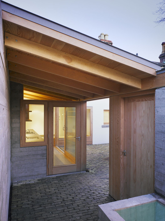 Laneway Wall Garden House Donaghy Dimond Architects ArchDaily