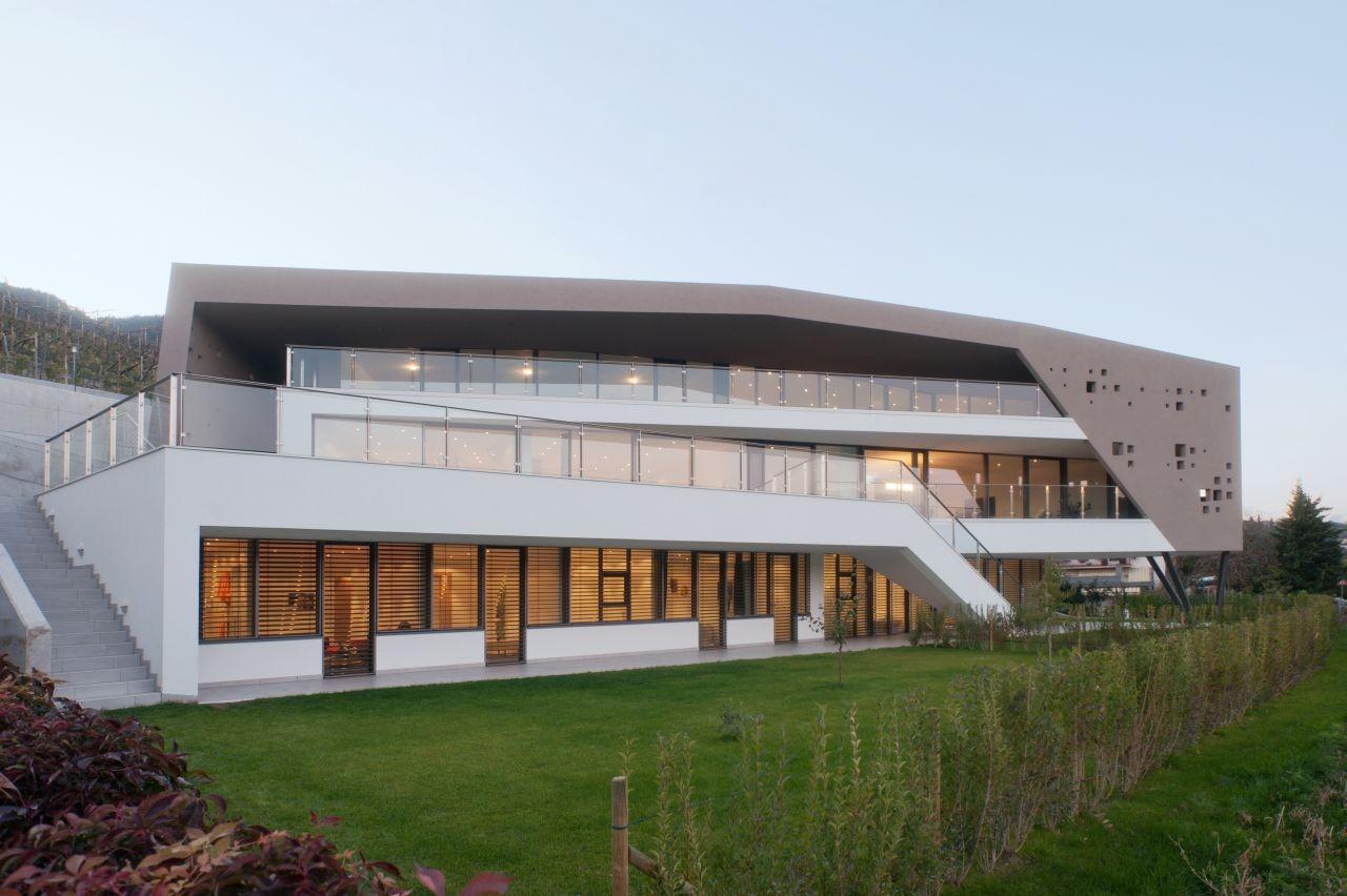 Two family house Giacomuzzi / Monovolume architecture, © René Riller