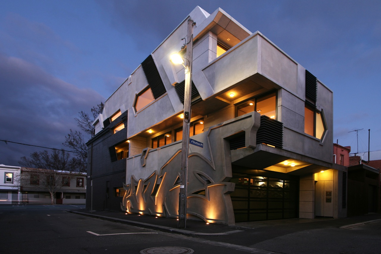 The Hive Apartment / ITN Architects