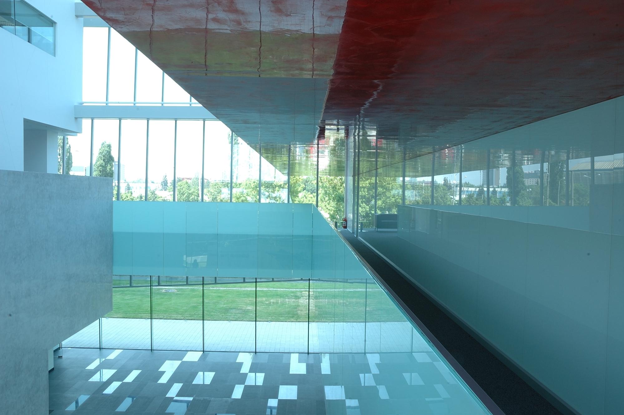 Unicredit Ţiriac Bank HQ / Westfourth Architecture