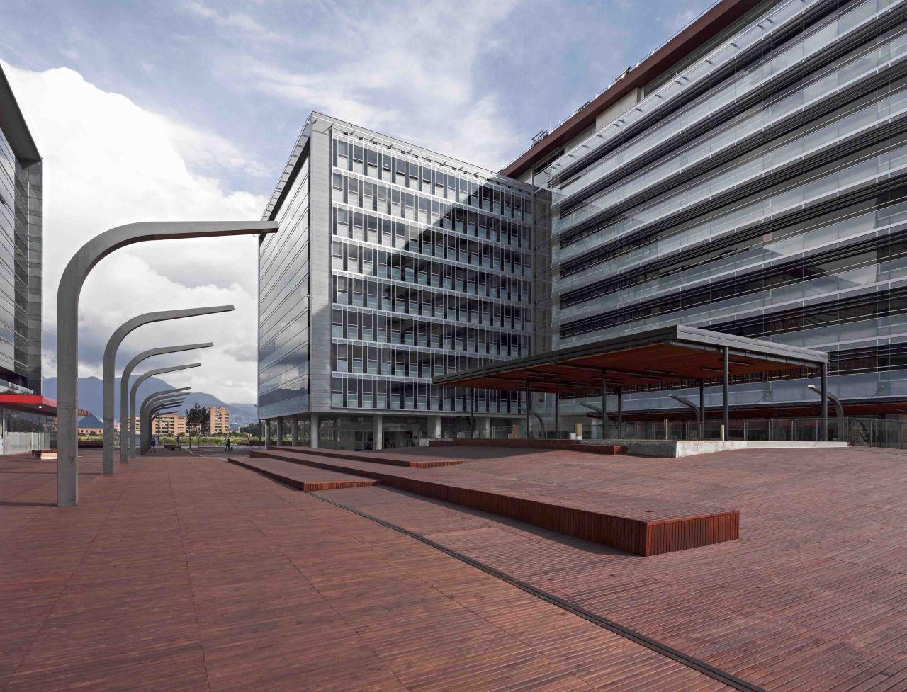 Torres t3 y t4 ciudad empresarial sarmiento angulo for Arquitecto t4