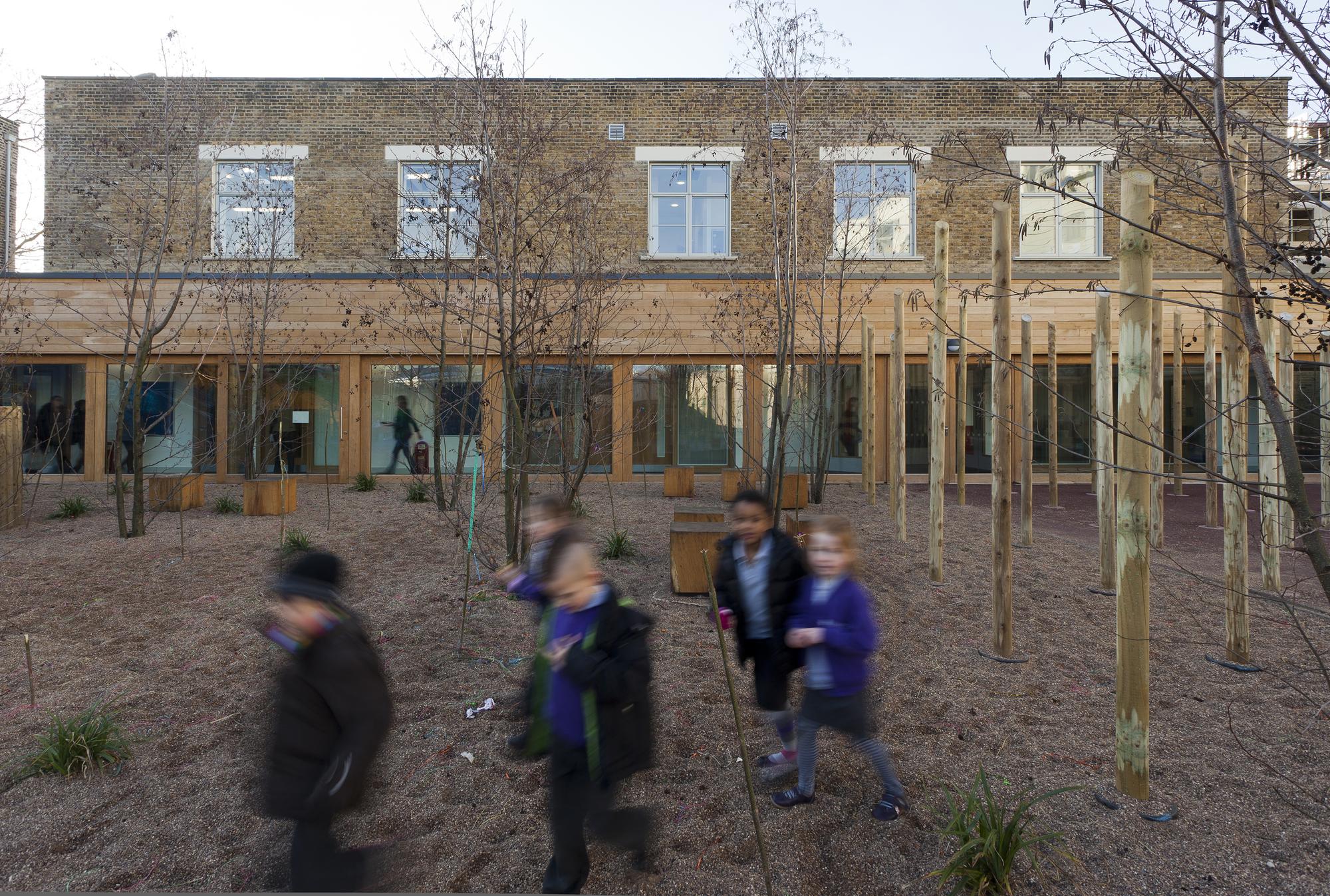 Tidemill Academy and Deptford Lounge / Pollard Thomas Edwards Architects