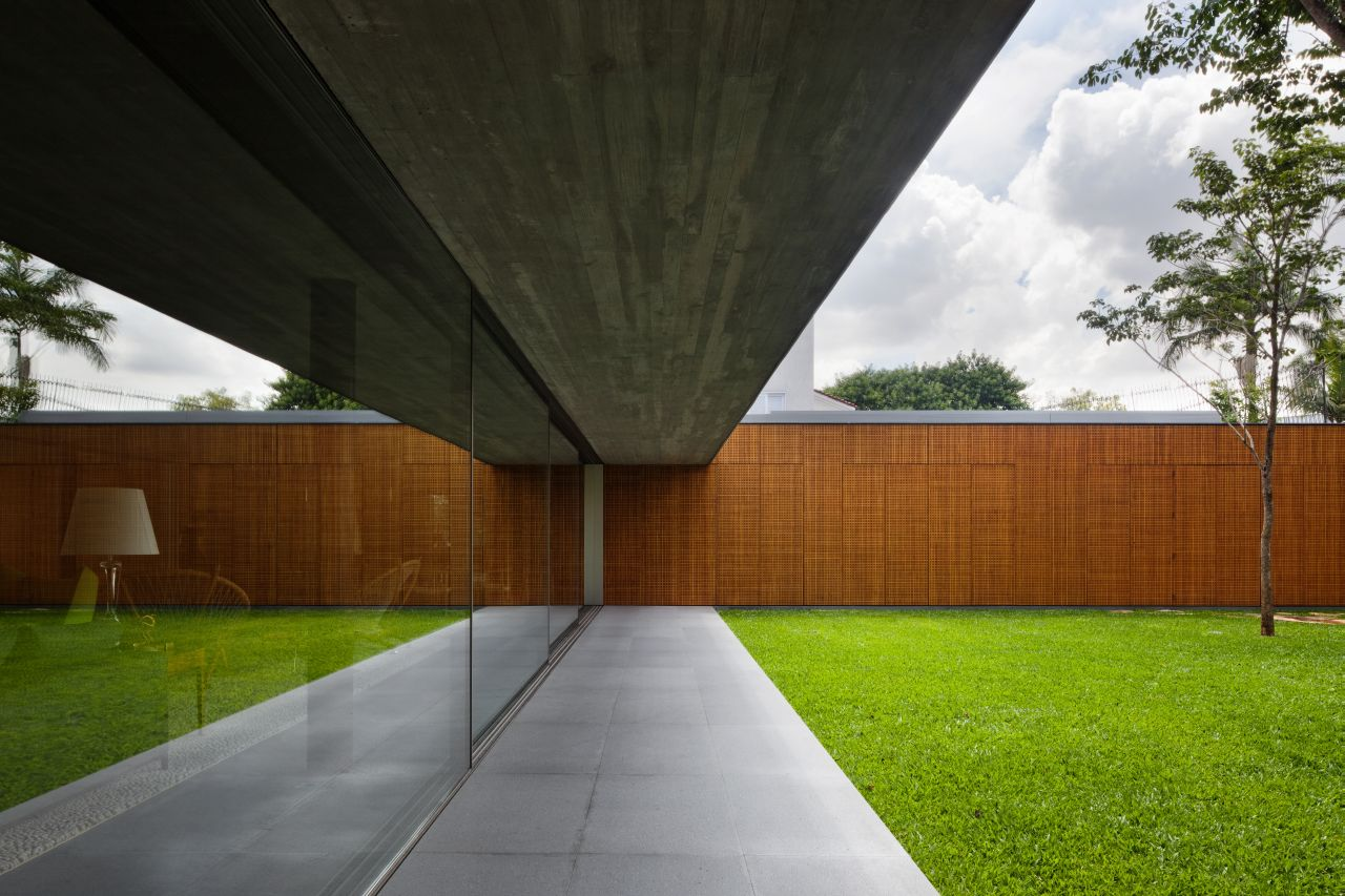 V4 house / Studio mk27 - Marcio Kogan + Renata Furlanetto