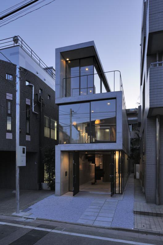 House in Takadanobaba / Florian Busch Architects, © Hiroyasu Sakaguchi