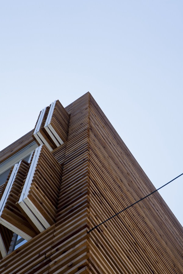 Gallery of louver haus smart architecture 3 for Smart home architectures