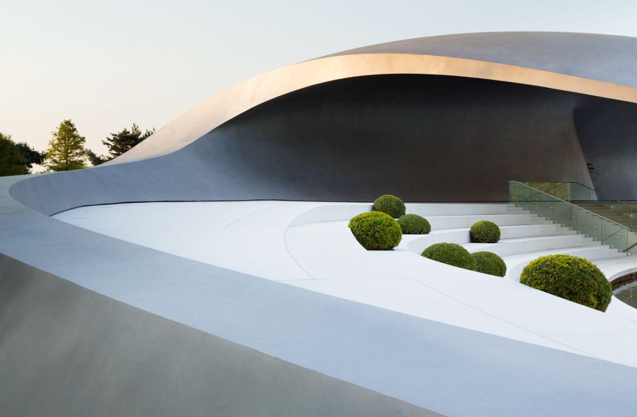 Porsche Pavilion at the Autostadt in Wolfsburg / Henn Architekten