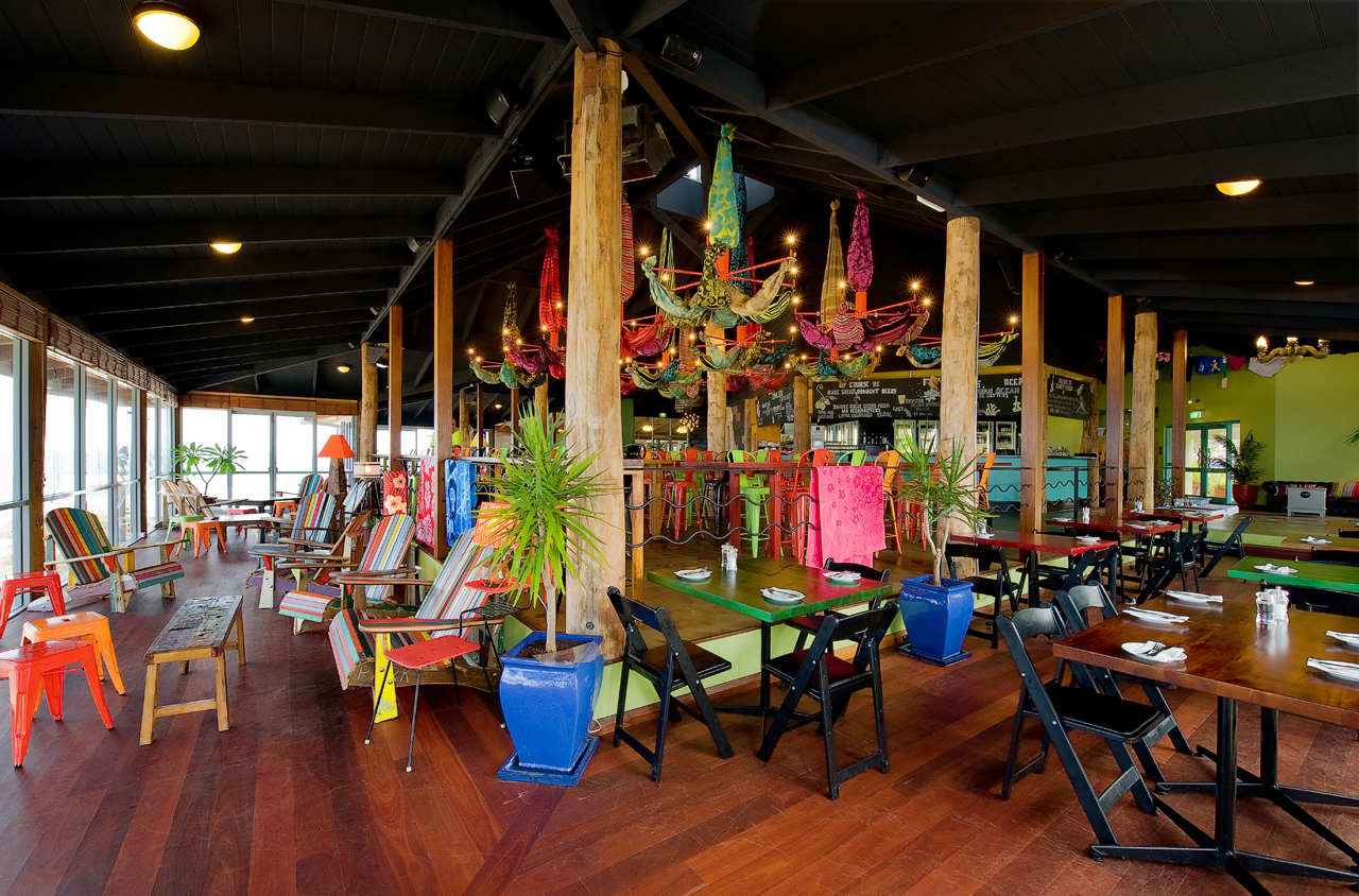 Clancy's Fish Bar City Beach / Paul Burnham Architect, © Jody D'Arcy