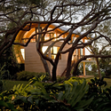 Casey Key Guest House / Sweet Sparkman Architects