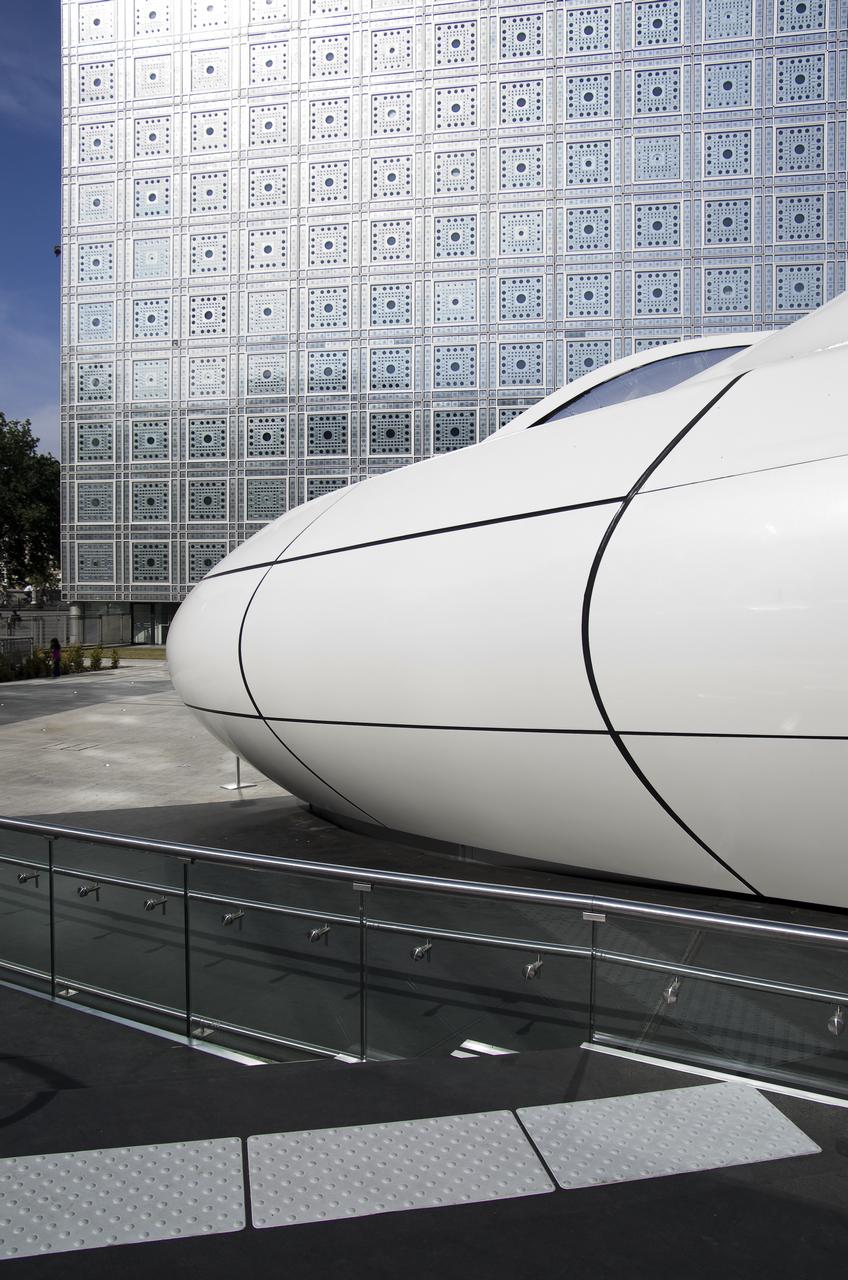 Gallery Of Chanel Mobile Art Pavilion Zaha Hadid