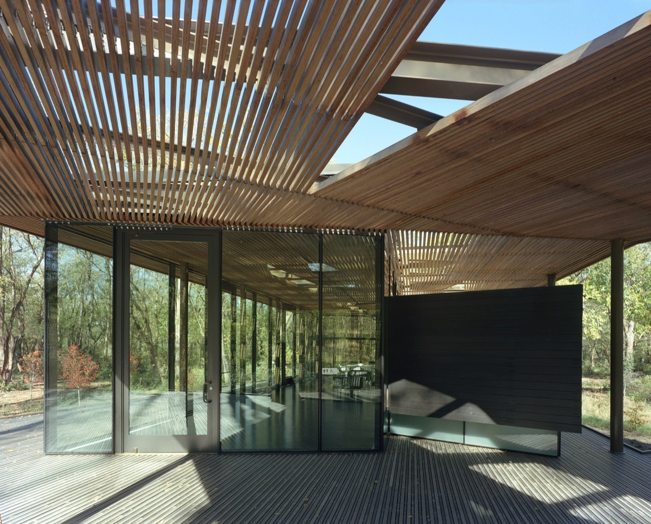 Gallery of the ruth lilly visitors pavilion marlon for Pavilion architecture design
