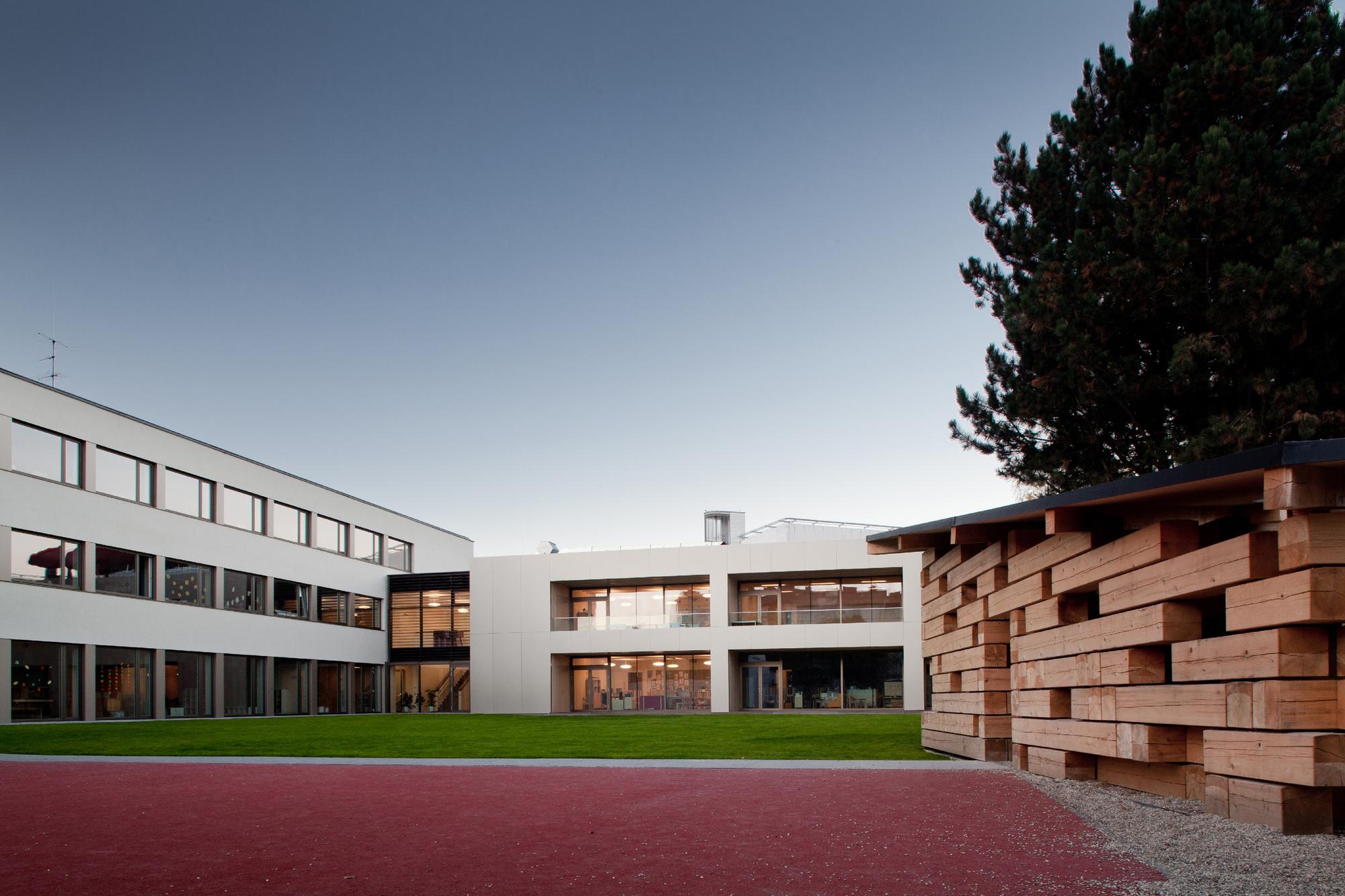 Robinson-School Linz / Schneider & Lengauer