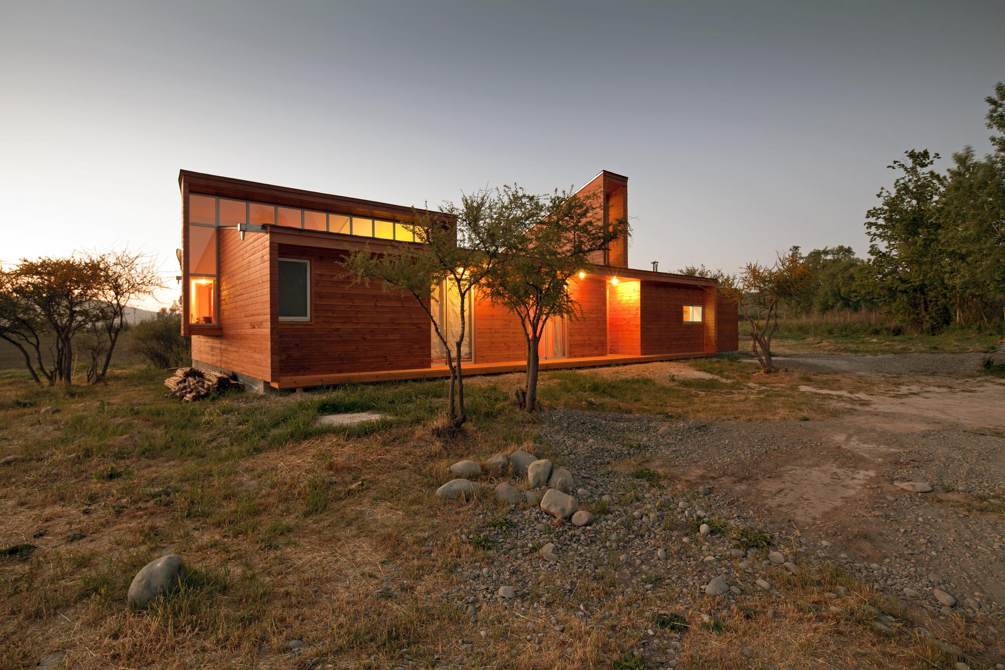 House MJ / COMUNarquitectos, © Aryeh Kornfeld