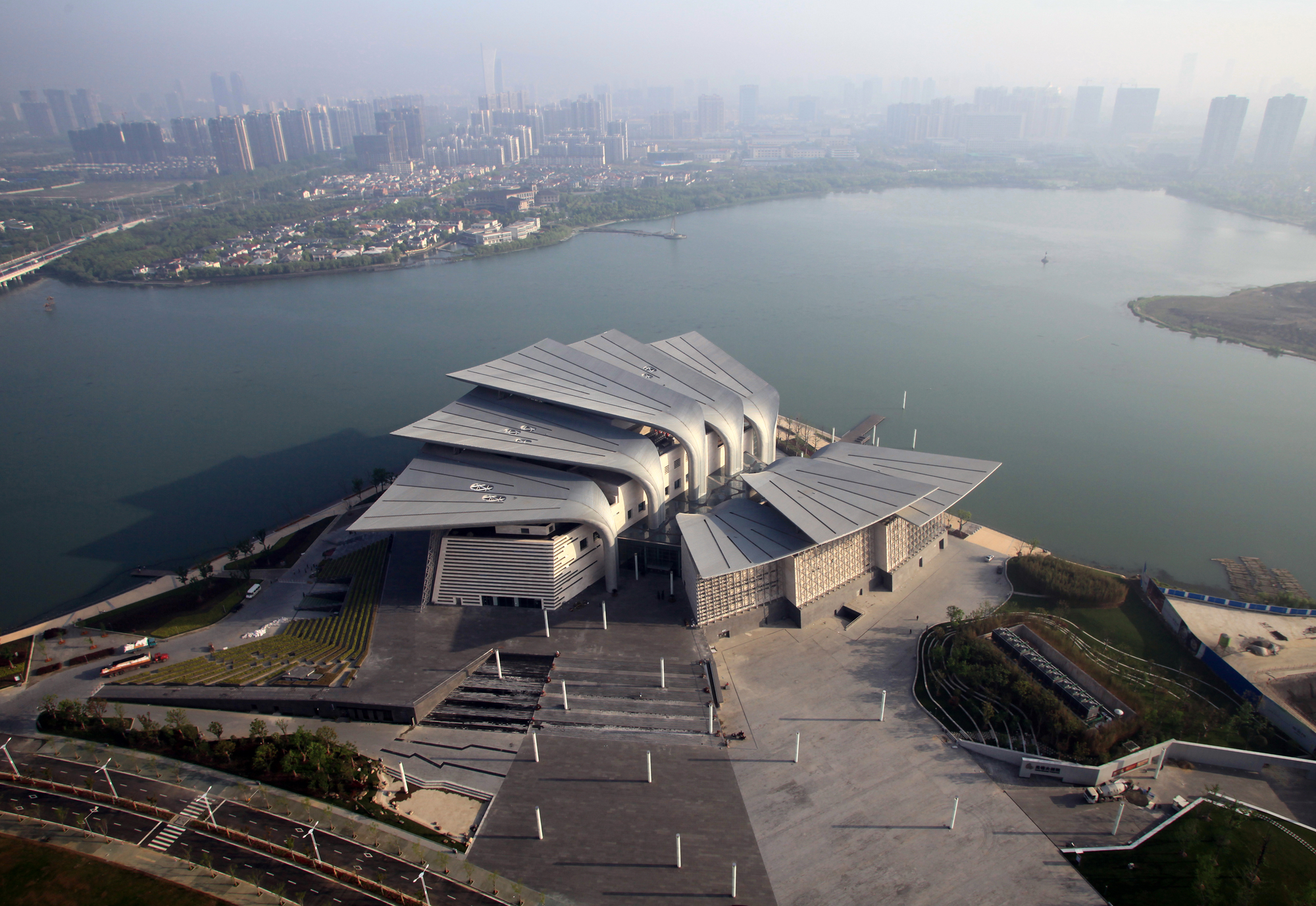 Wuxi Grand Theatre / PES-Architects, © Pan Weijun