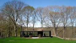 AD Classics: The Glass House / Philip Johnson