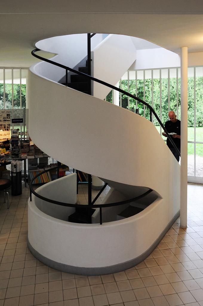 Gallery of ad classics villa savoye le corbusier 6 for Corbusier sessel 00 schneider