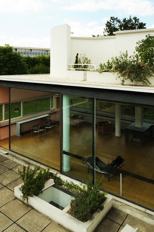 Ad classics villa savoye le corbusier archdaily - Le corbusier tetto giardino ...