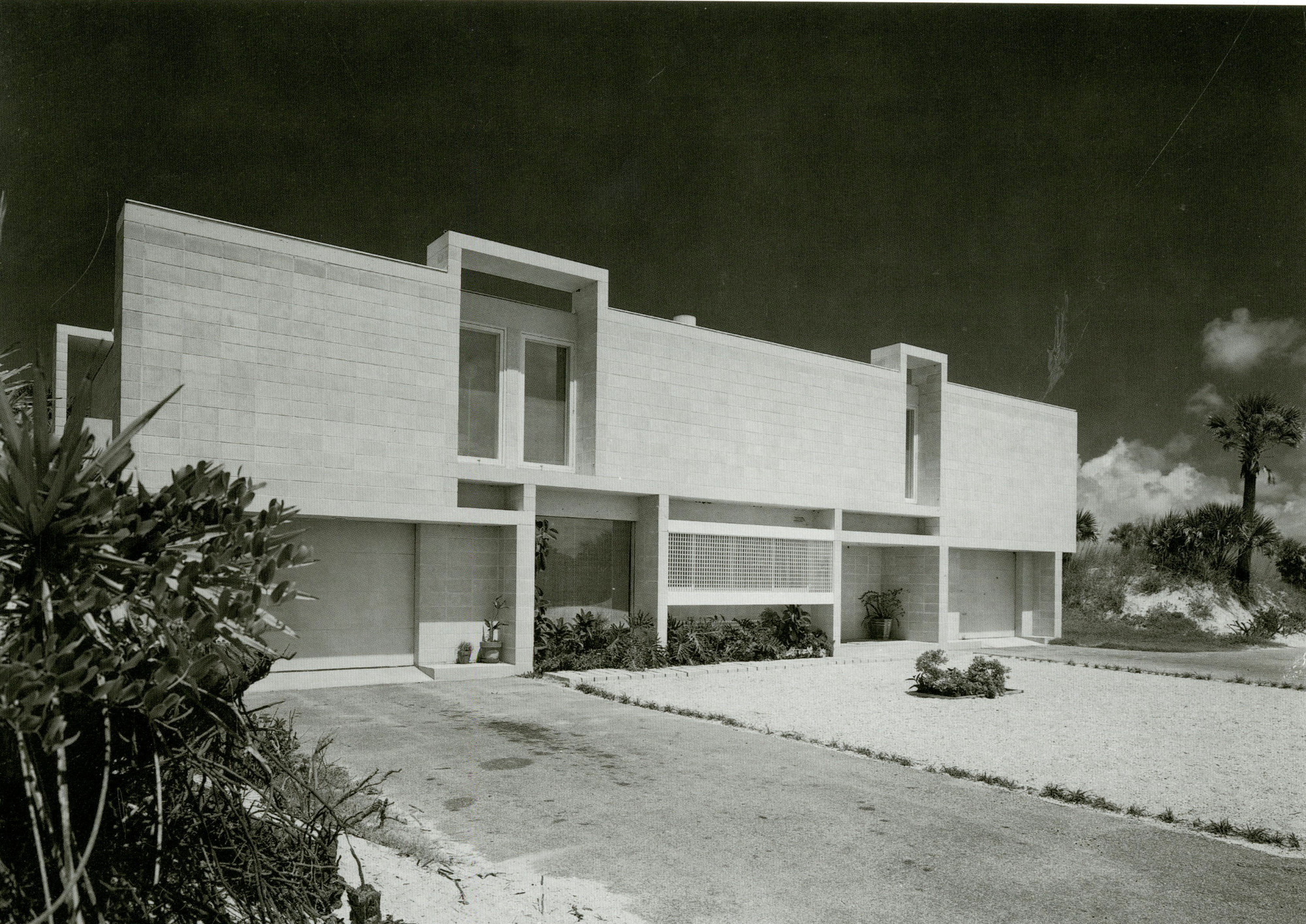 Gallery of ad classics milam residence paul rudolph 3 for Modern house jacksonville