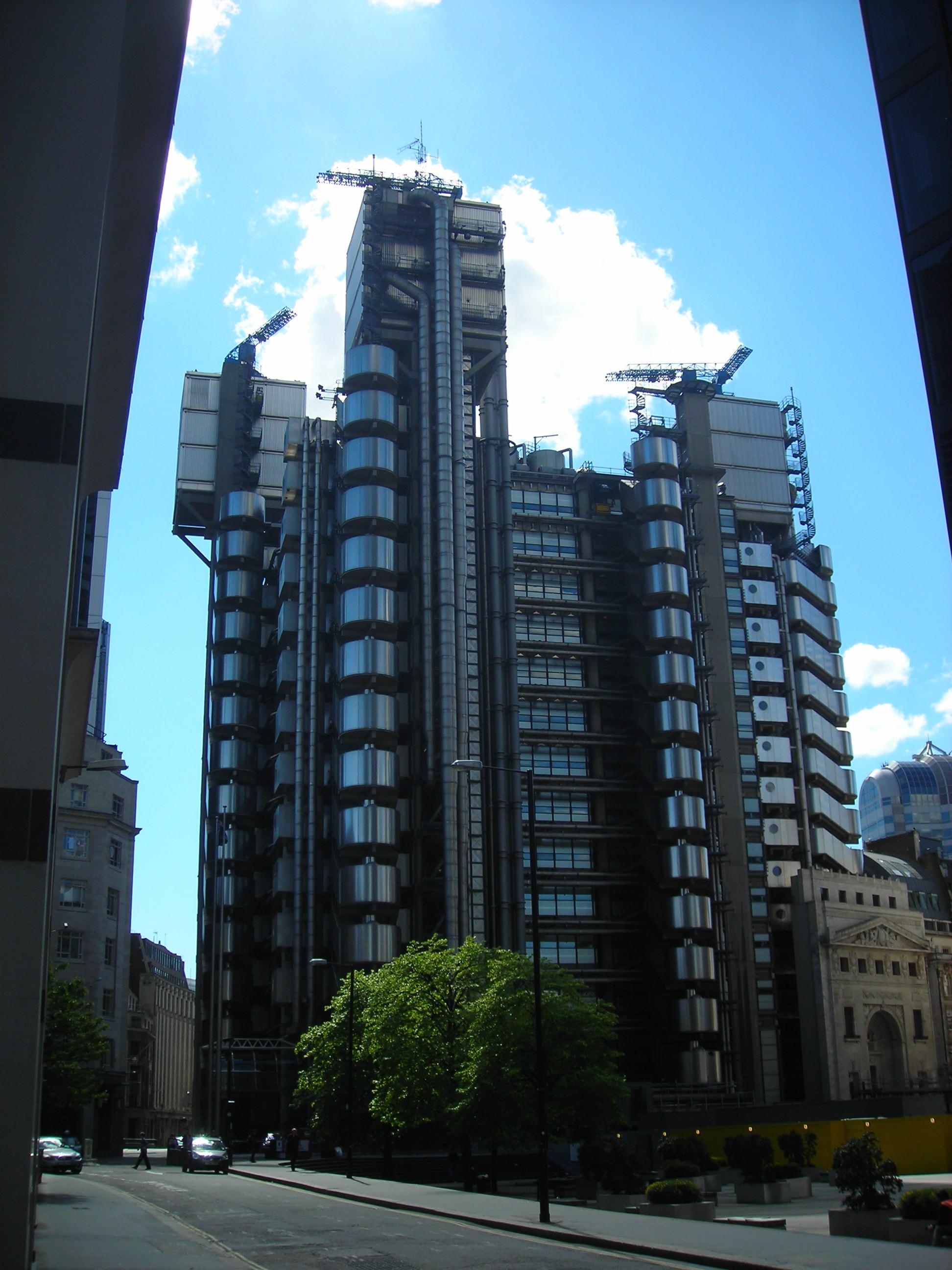AD Classics: Lloyd's of London Building / Richard Rogers