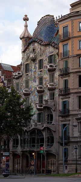 AD Classics: Casa Batlló / Antoni Gaudí, via Wikipedia