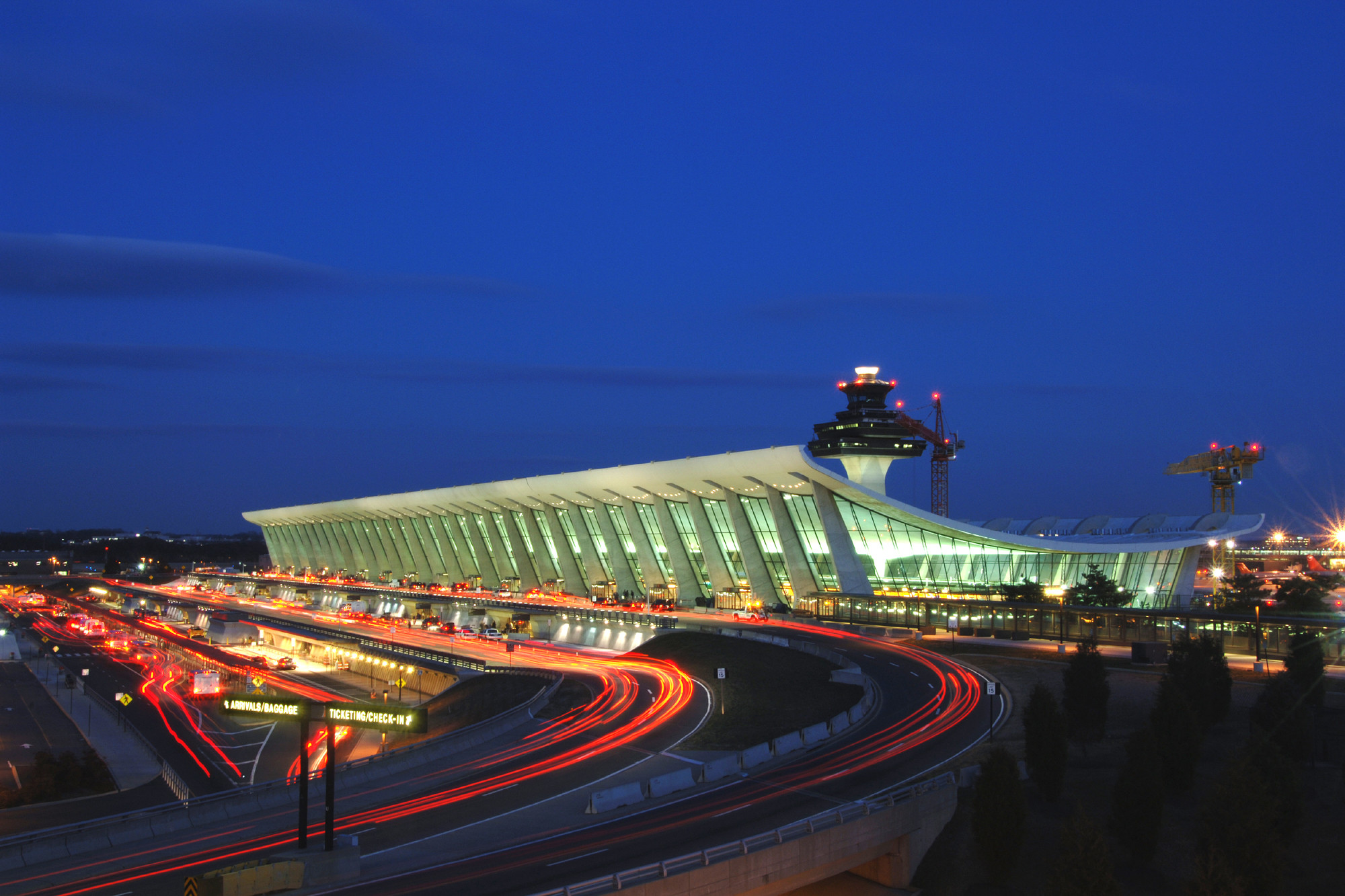 AD Classics: Dulles International Airport / Eero Saarinen, © MWAA