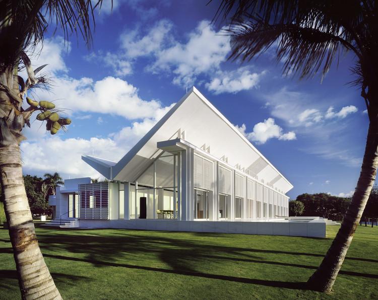 AD Classics: Neugebauer House / Richard Meier & Partners, Courtesy of richard meier & partners architects ©scott frances esto