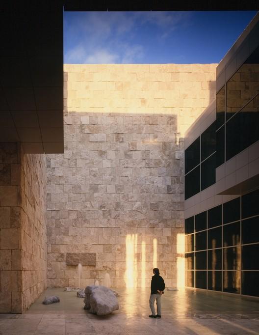 Courtesy of richard meier & partners architects © scott frances esto