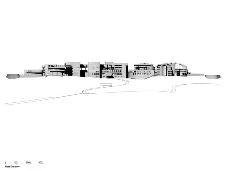 East Elevation, Courtesy of Richard Meier & Partners Architects