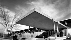 AD Classics: Great Lakes Naval Training Center, Hostess House / SOM