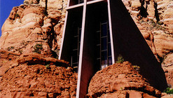 AD Classics: Chapel of the Holy Cross / Richard Hein