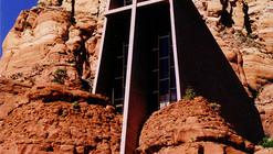 AD Classics: Chapel of the Holy Cross / Richard Hein