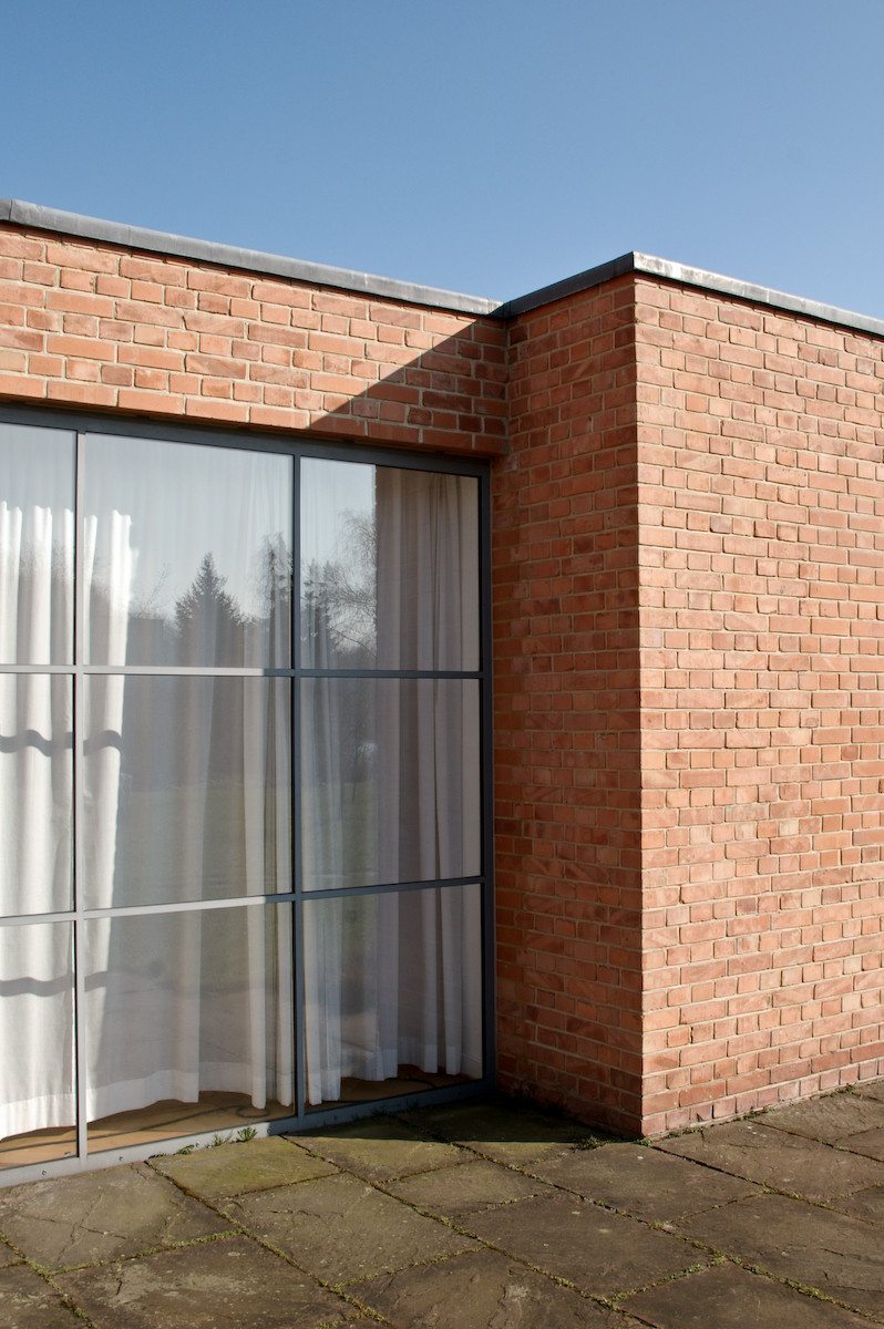 gallery of ad classics landhaus lemke mies van der rohe 7. Black Bedroom Furniture Sets. Home Design Ideas