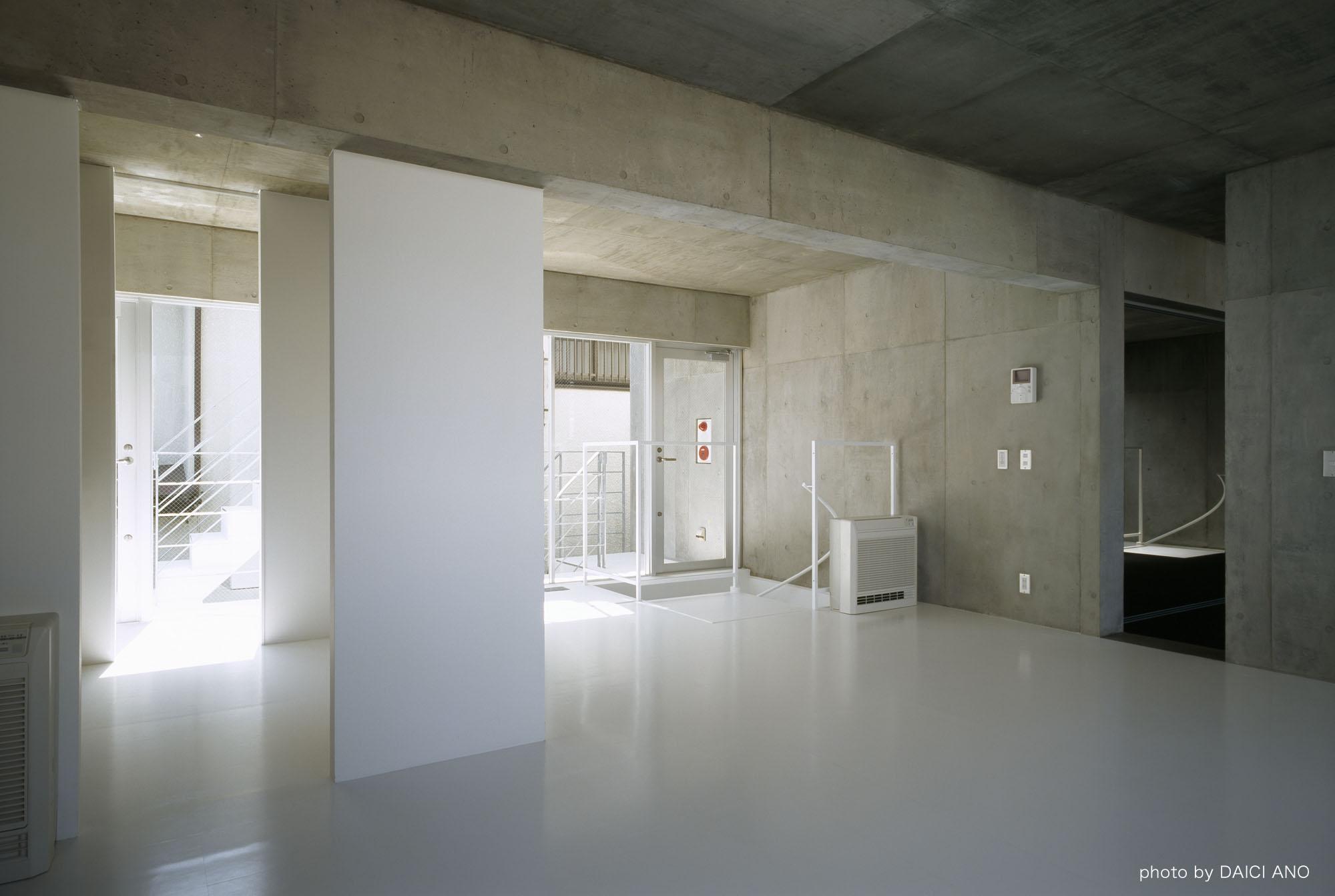 Kobuchi Apartment / Toru Kudo + architecture WORKSHOP