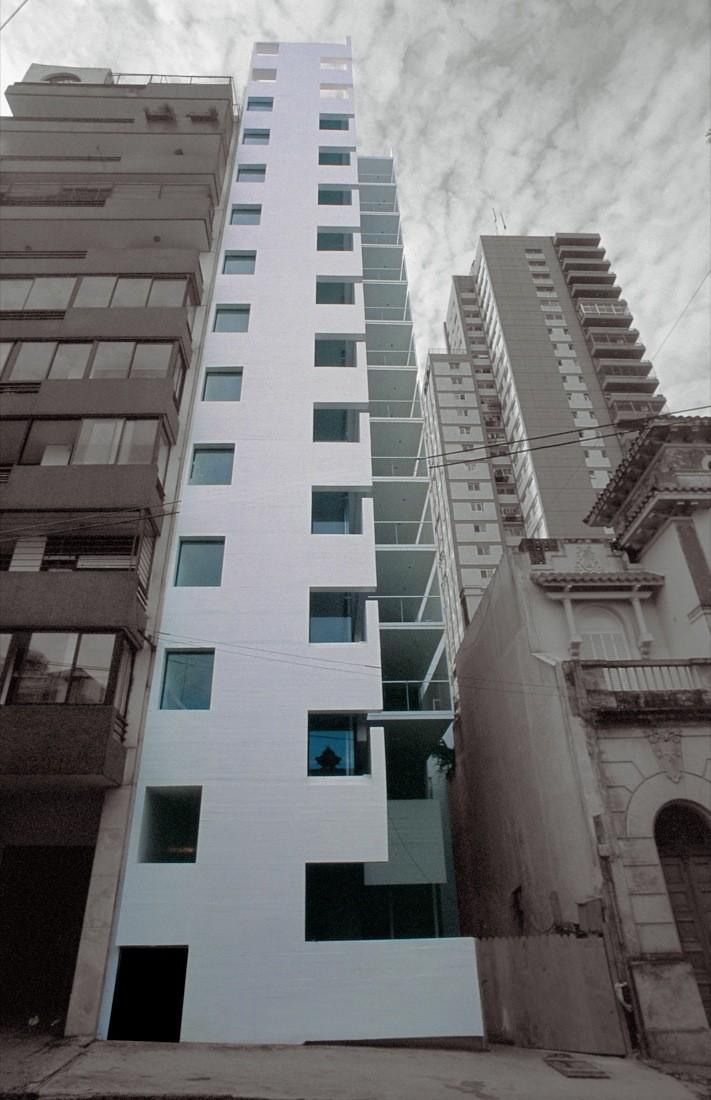 Flashback: Residential Building in Rosario / Rafael Iglesia, © Gustavo Frittegotto