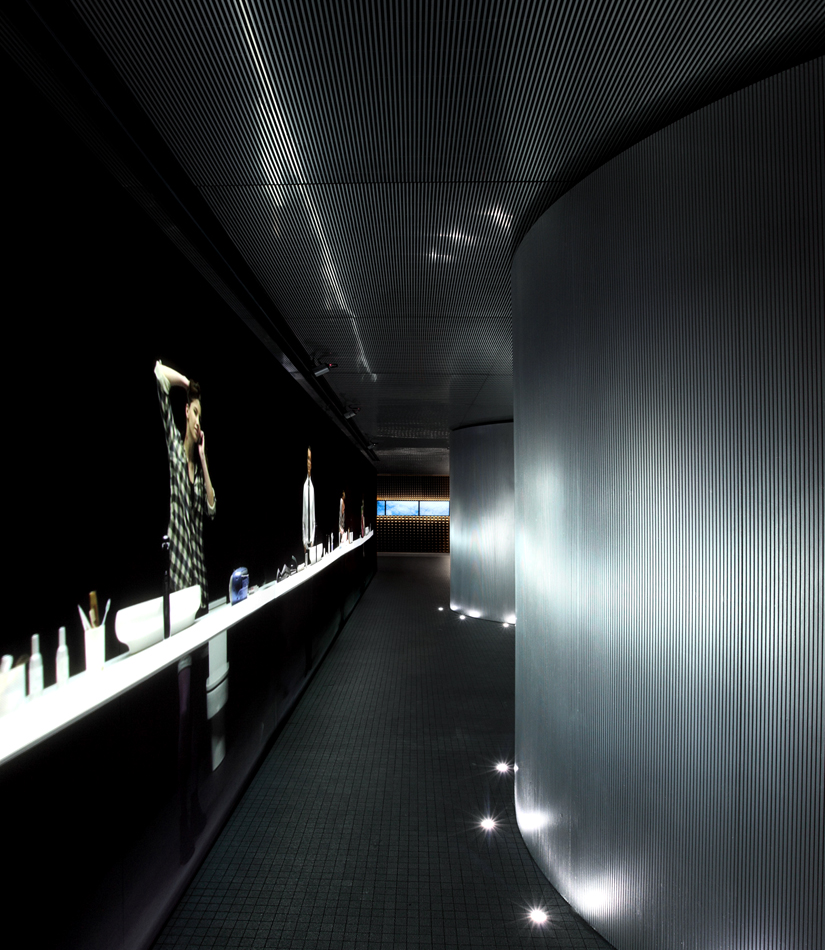 Roca Barcelona Gallery / OAB