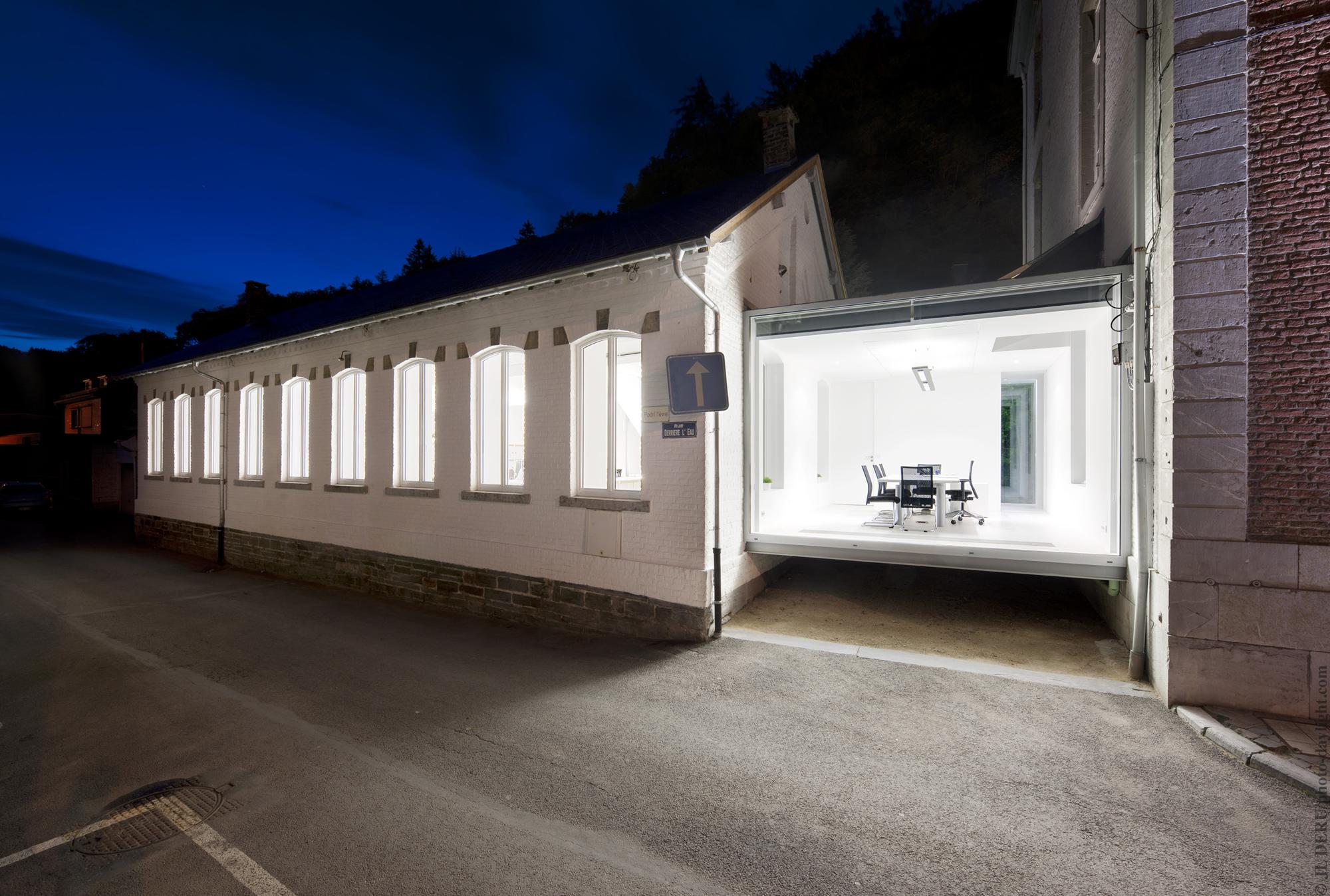 Artau Bureau / Artau Architecture