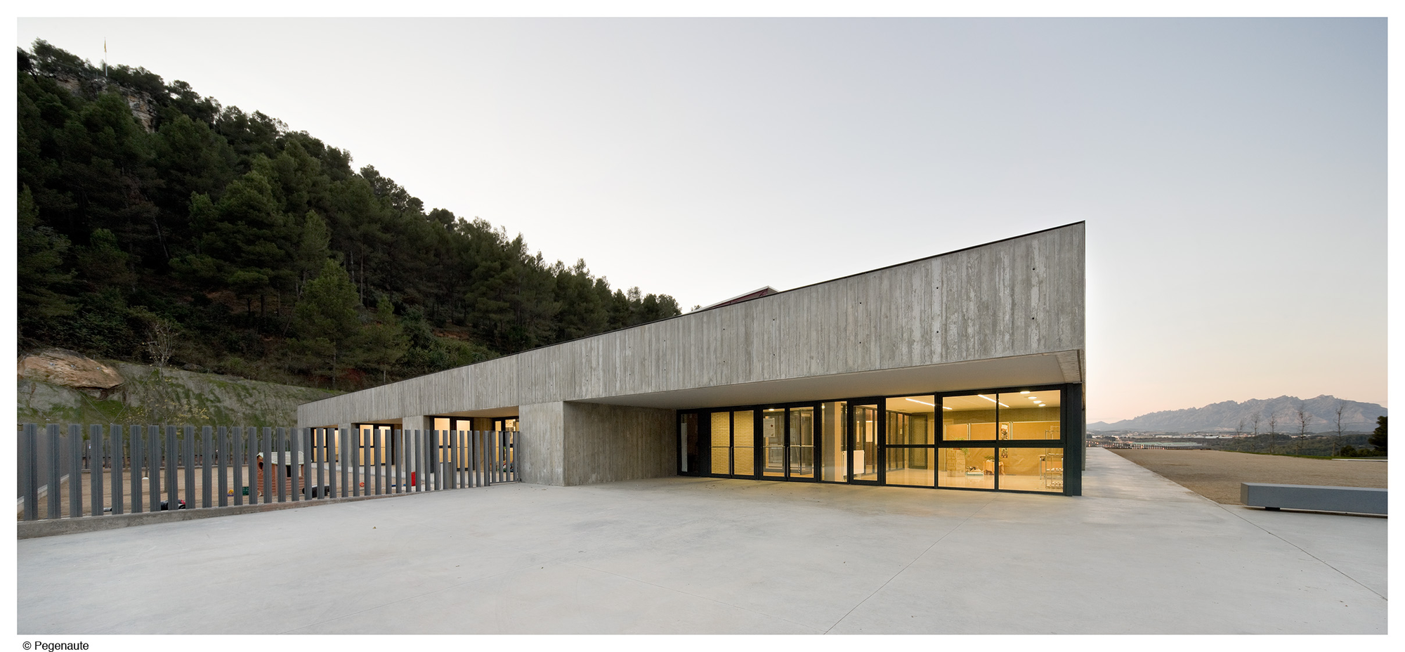 Mare de Déu de Montserrat / Mestura Arquitectes