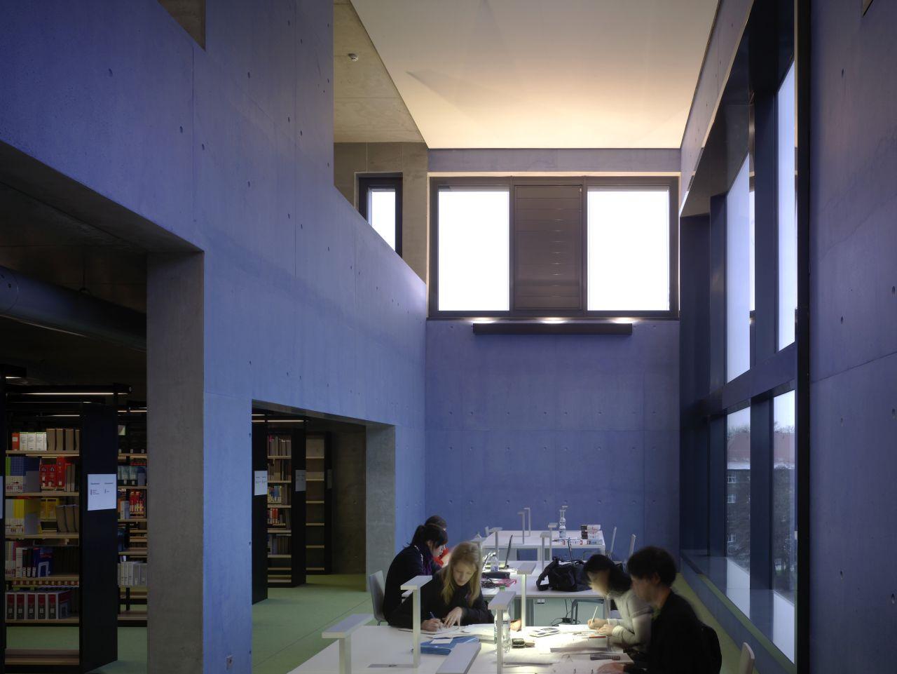 Library and media centre / Léon Wohlhage Wernik Architekten