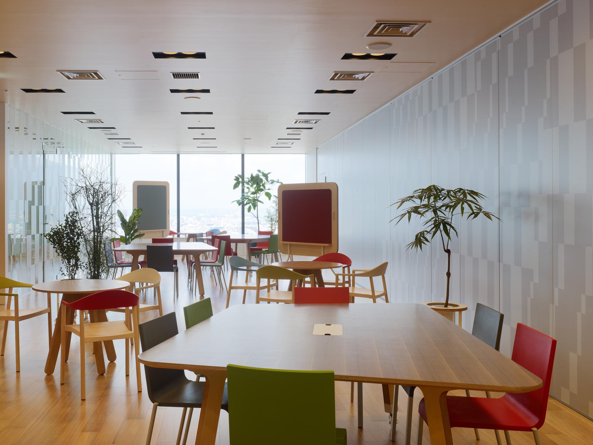 Mediba Creative Farm / Torafu Architects