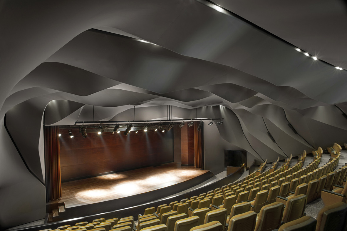 Masrah Al Qasba Theater / Magma Architecture, © Torsten Seidel