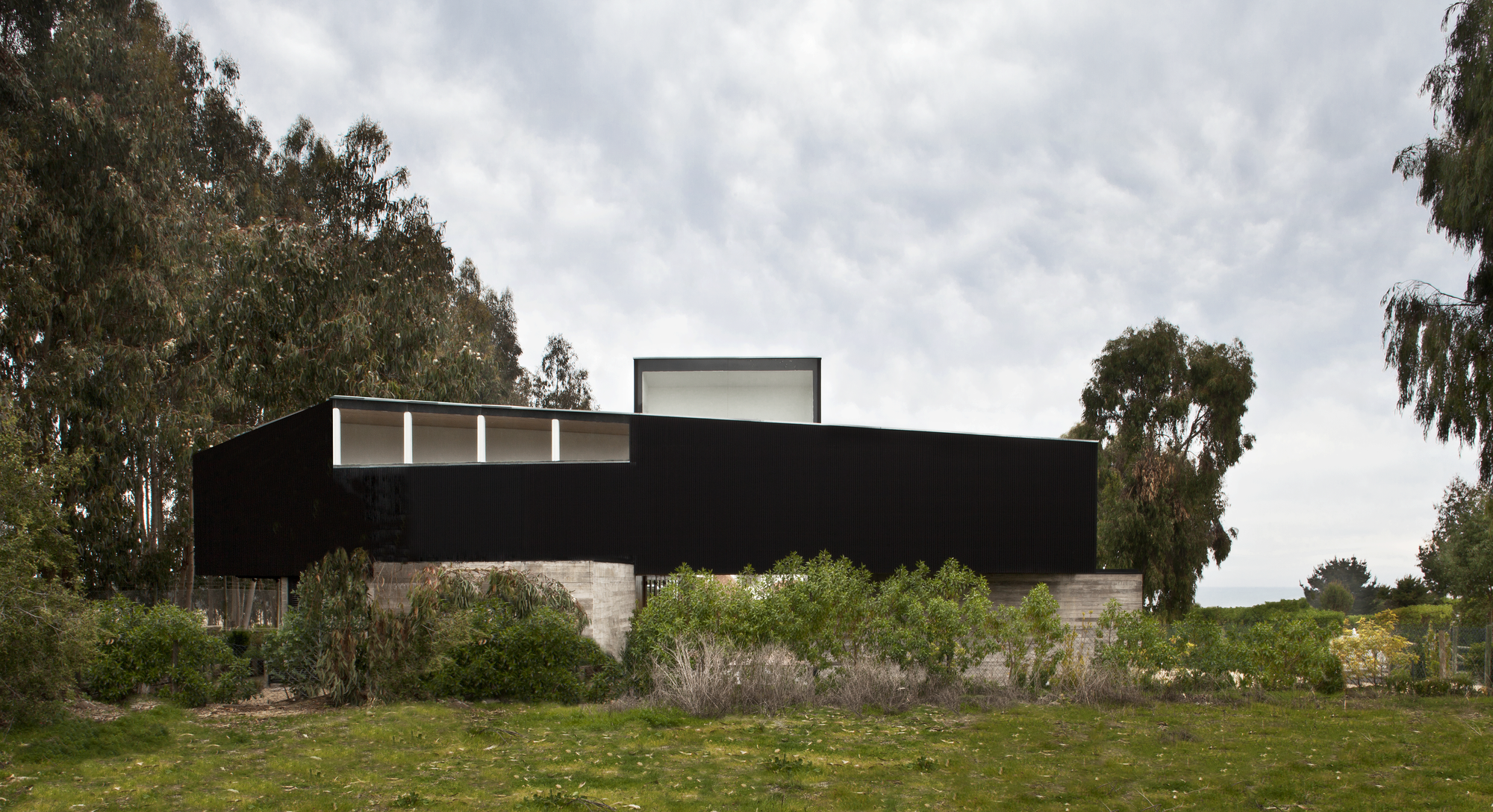 Rock House / Juan Pablo Nazar