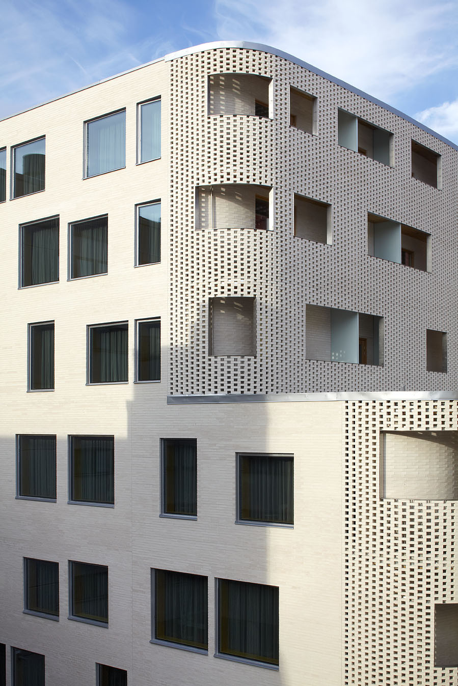 Paasitorni hotel k2s architects archdaily for Brick facade house
