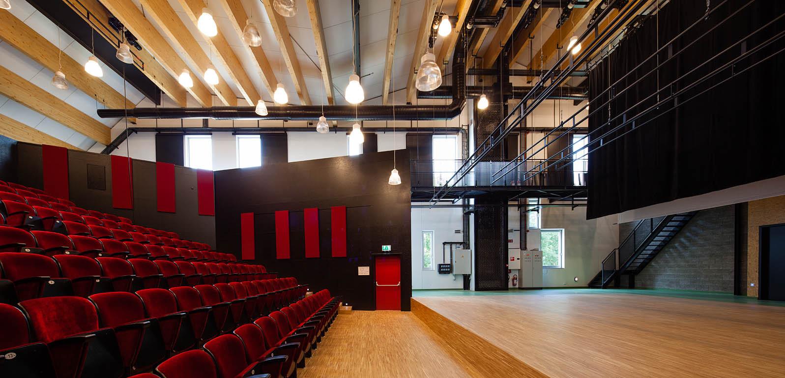 Academie MWD Dilbeek / Carlos Arroyo