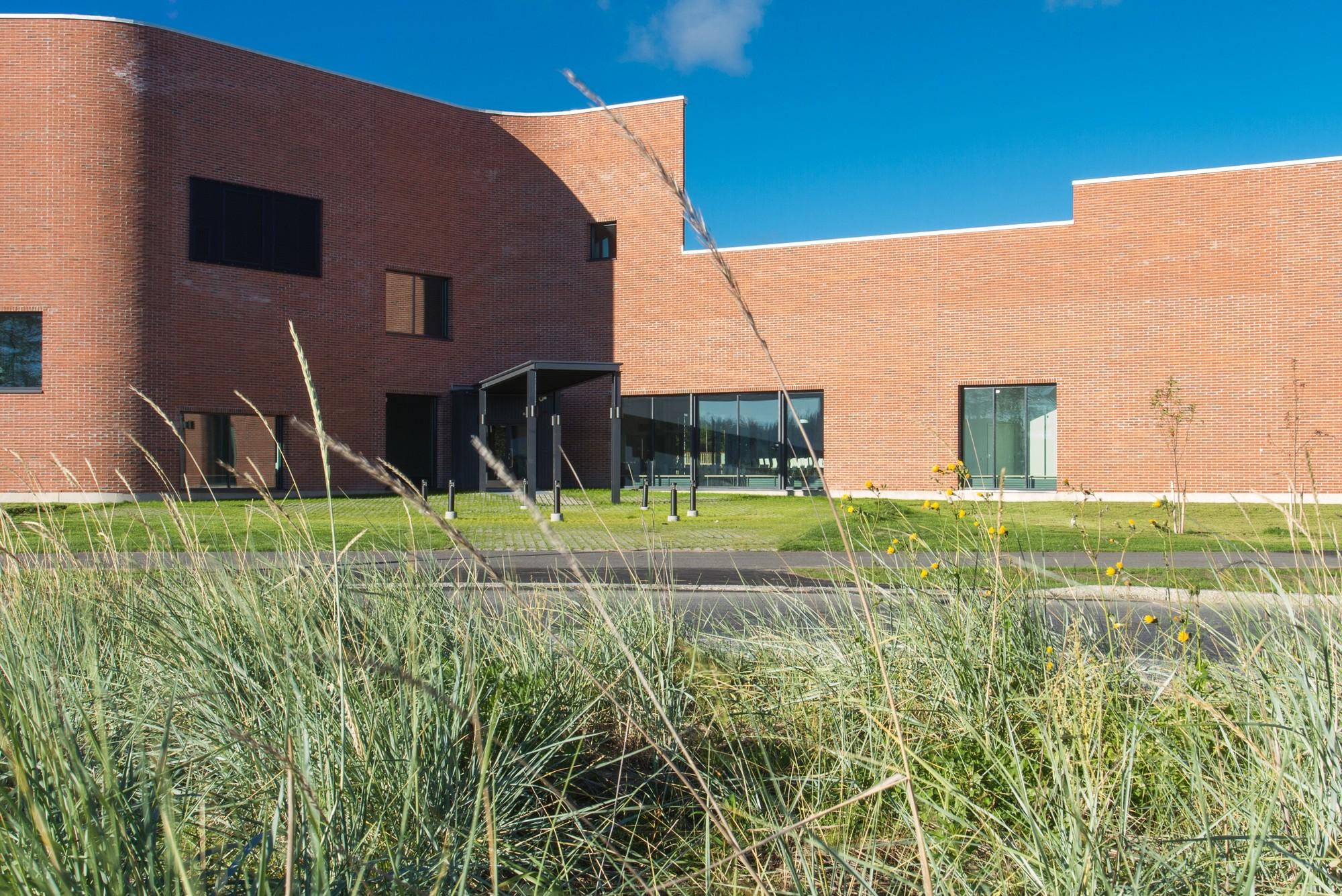 Niemenranta Elementary School / ALT Architects + Architecture Office Karsikas, © Ikola & Vahtera