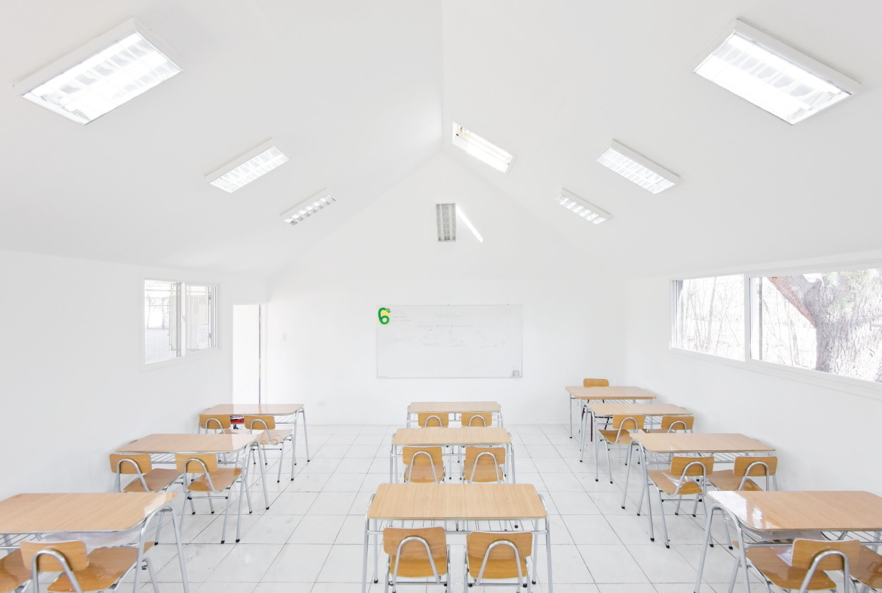 Catch Light Classrooms Land Arquitectos Archdaily