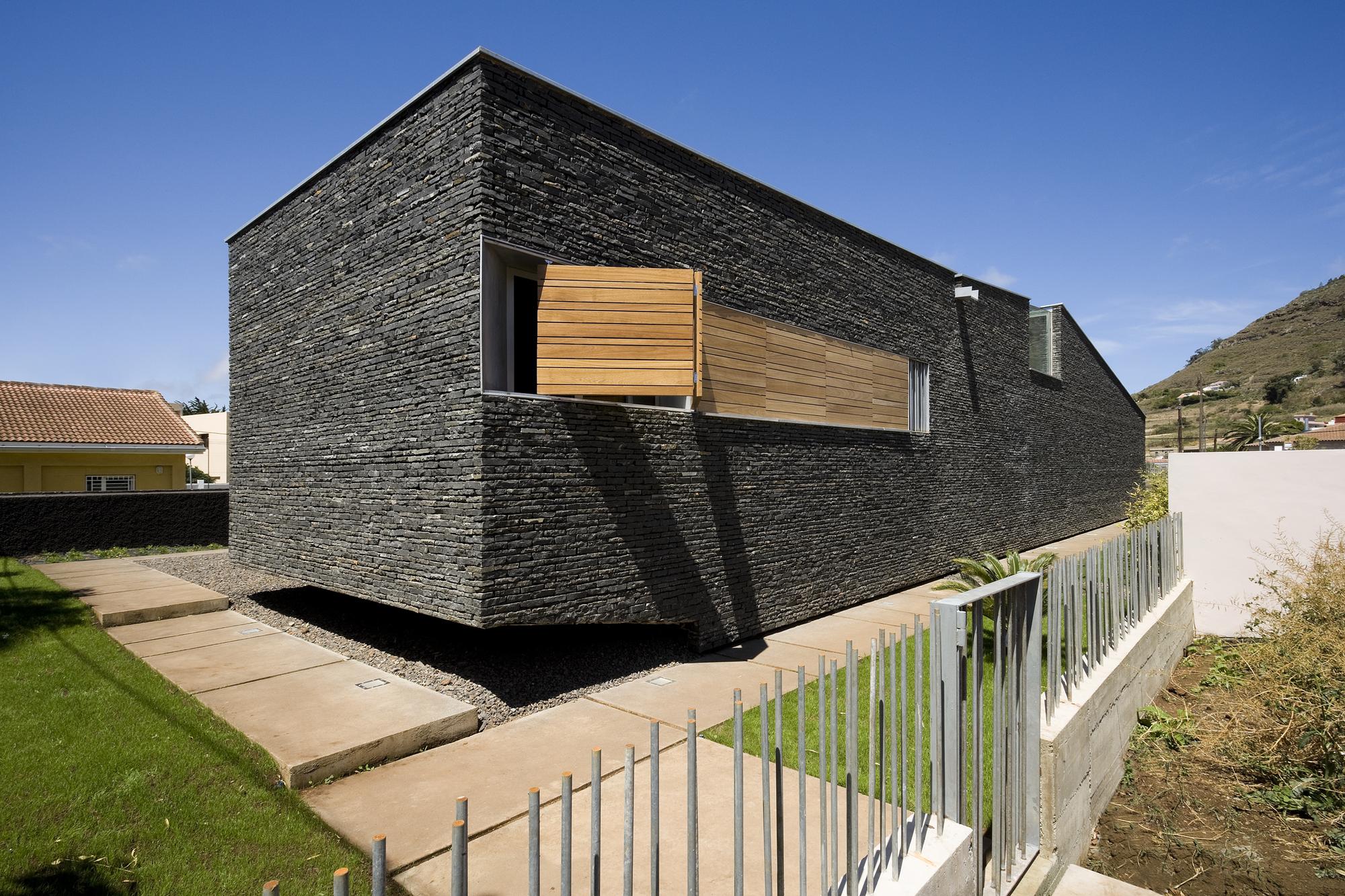 Ca'Paco / Equipo Olivares Arquitectos