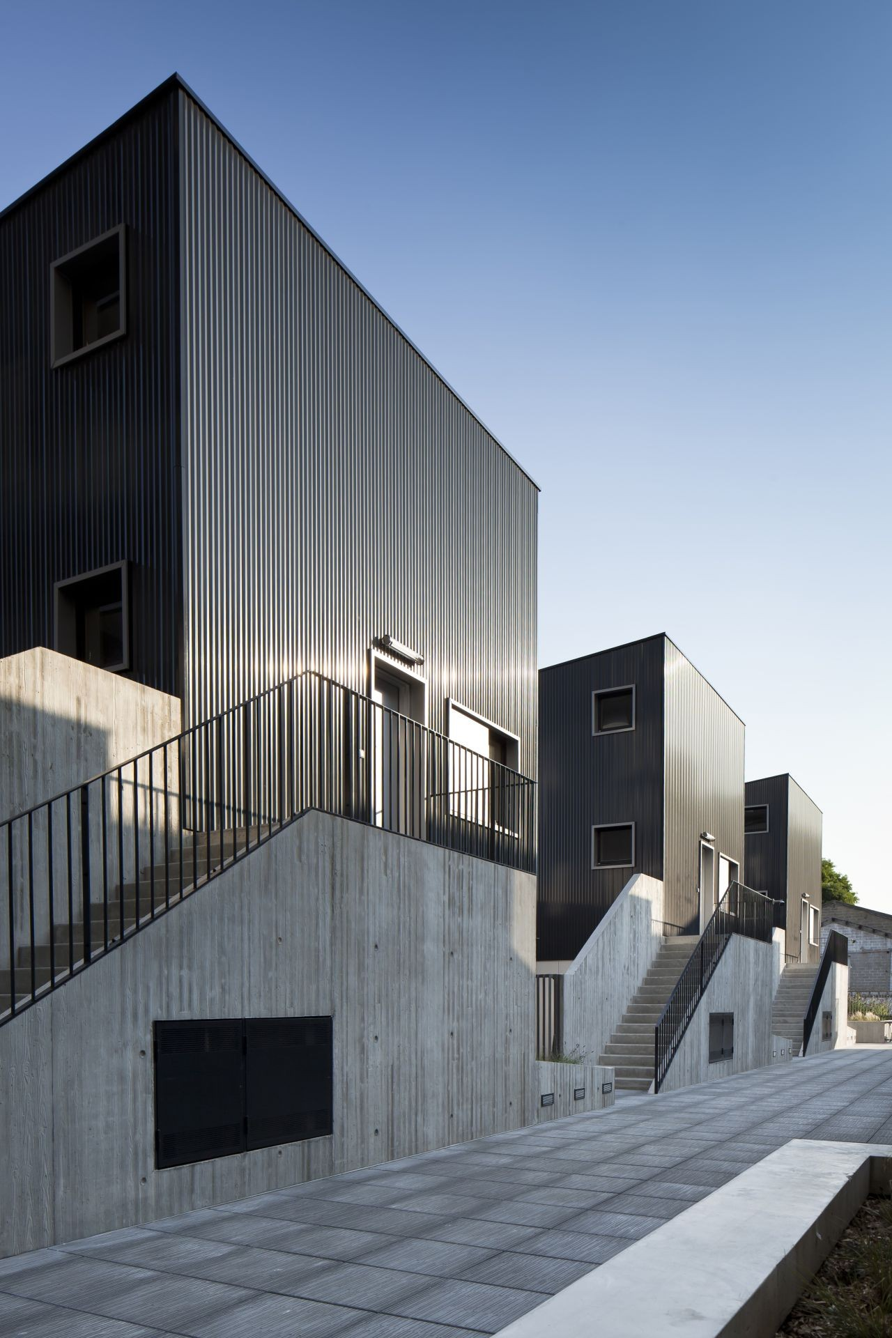 gallery of 48 logements vitry sur seine ga tan le penhuel architecture 11. Black Bedroom Furniture Sets. Home Design Ideas