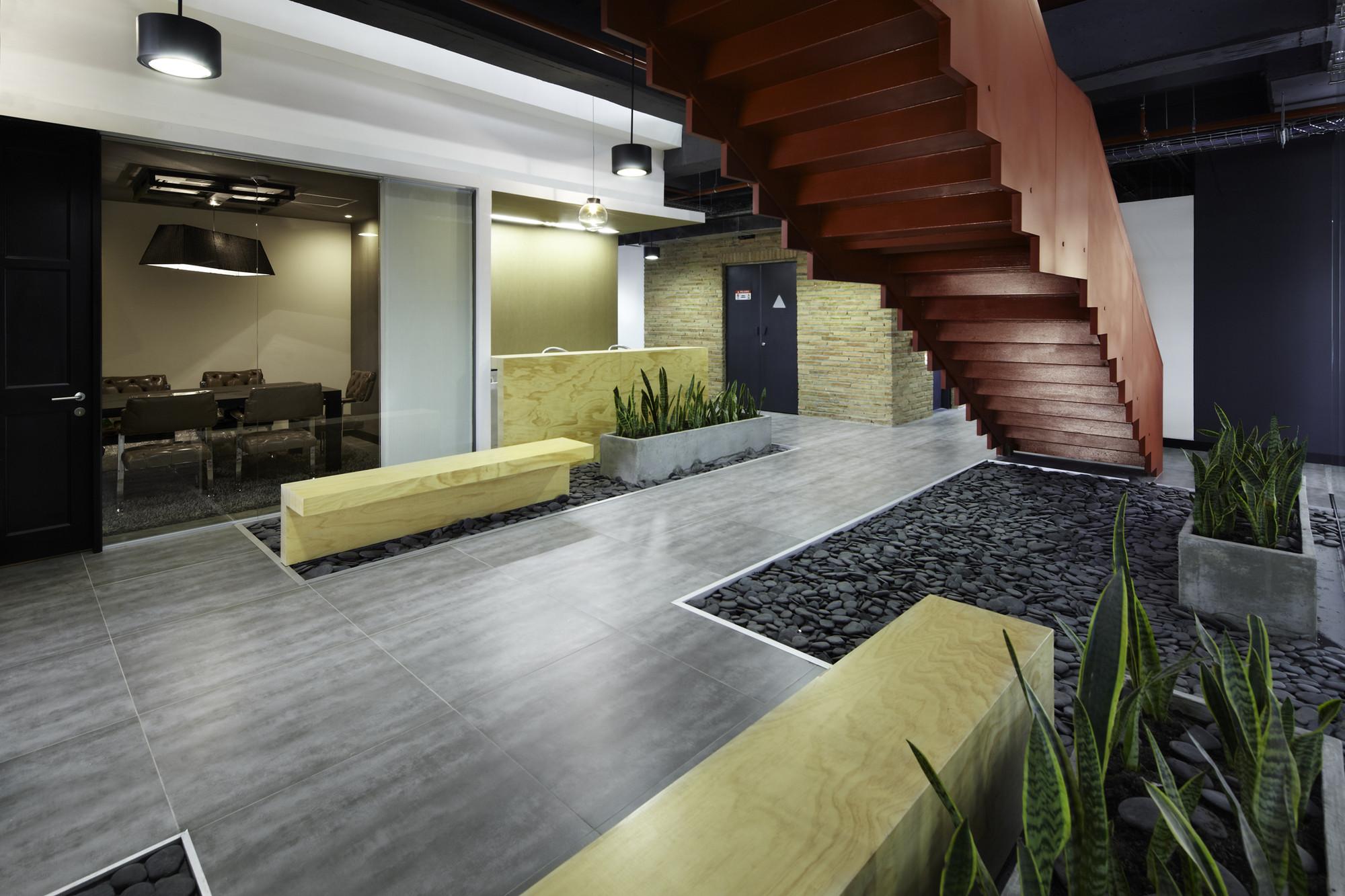Galer a de oficinas jwt aei arquitectura e interiores 8 for Arquitectura de interiores