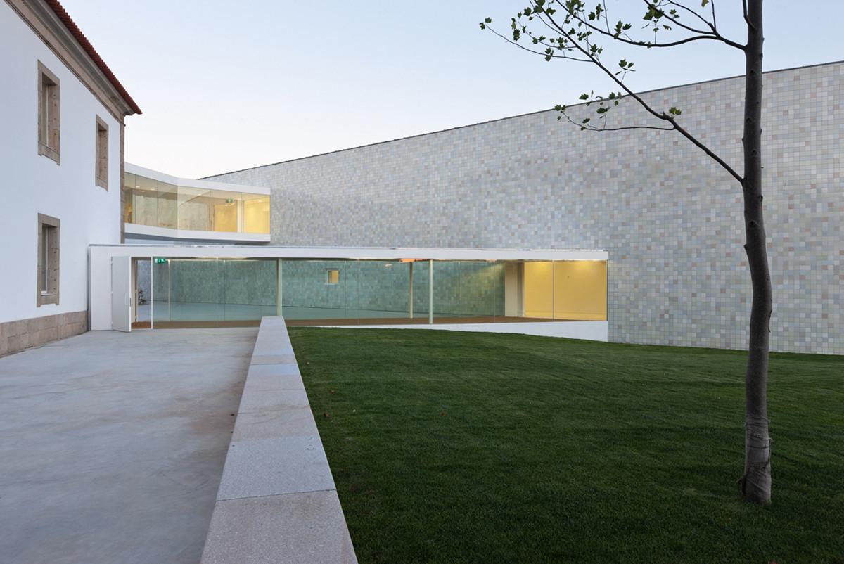 Combatentes Educational Center / Cannatà & Fernandes