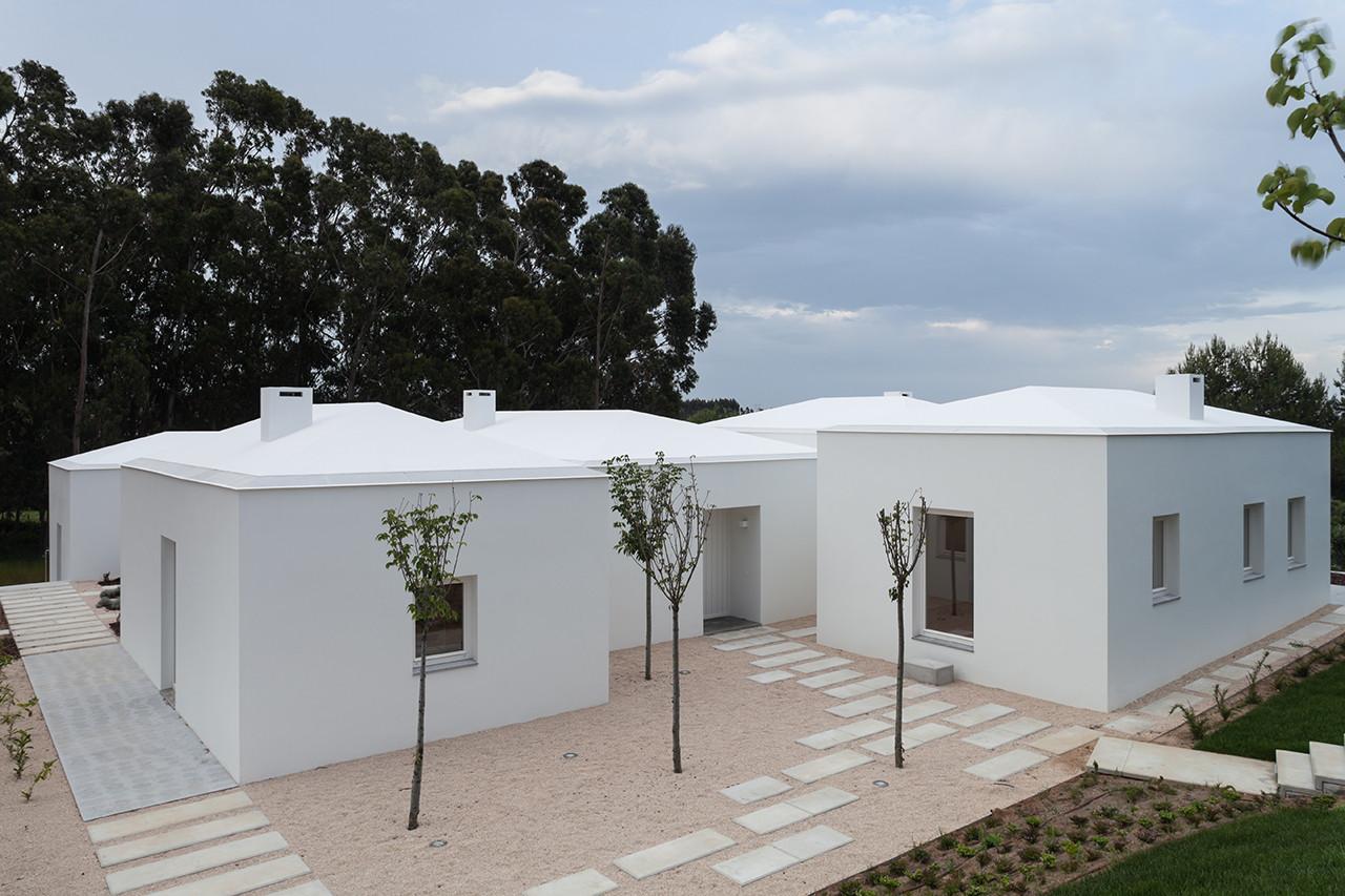 House in Belas / CHP Arquitectos, © Francisco Nogueira
